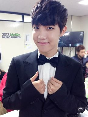 1 J Hope Real Name Is Jung Hoseok 2 His Birthday 18 February 1994 3 Favorite Color Green 4 Weather Spring
